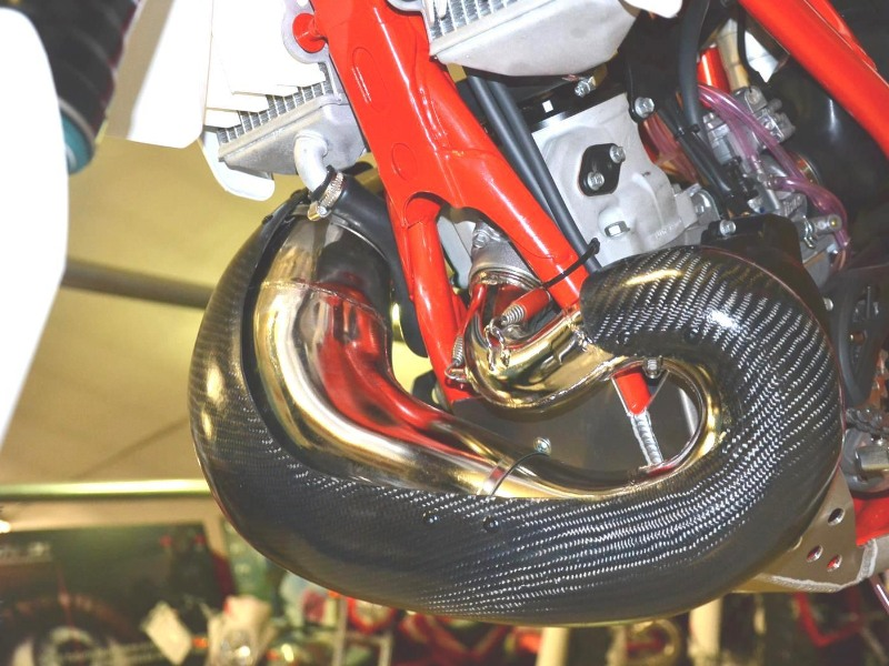 Carbon exhaust protection Beta 200